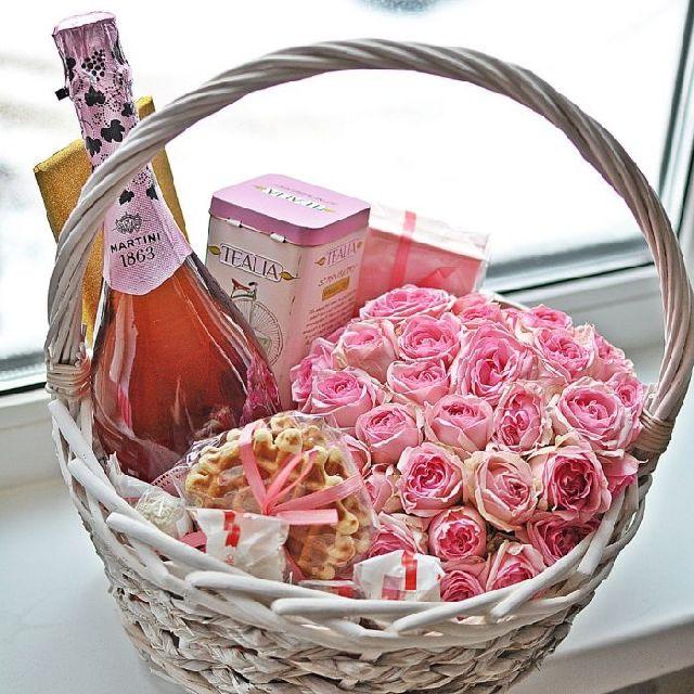Корзина подарок для женщины